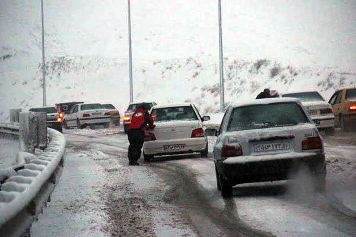 آخرین وضعیت جاده ها  جمعه ۴ بهمن/ ترافیک سنگین در محور هراز