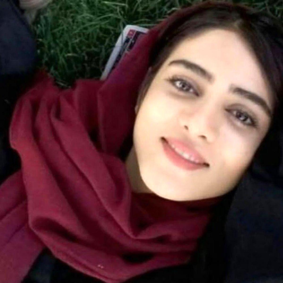 اولین عکس از مراسم تشییع و مزار سحر خدایاری ( دختر ابی ) + عکس