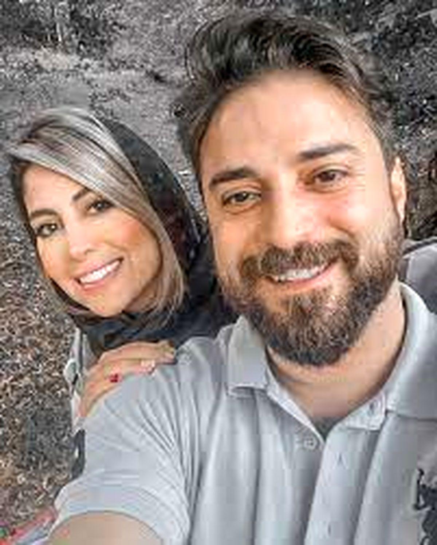بابک جهانبخش و همسرش در ماشین لاکچری + عکس
