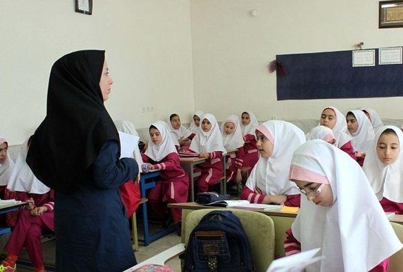 پرداخت ماهانه معلمان حقالتدریس از مهر