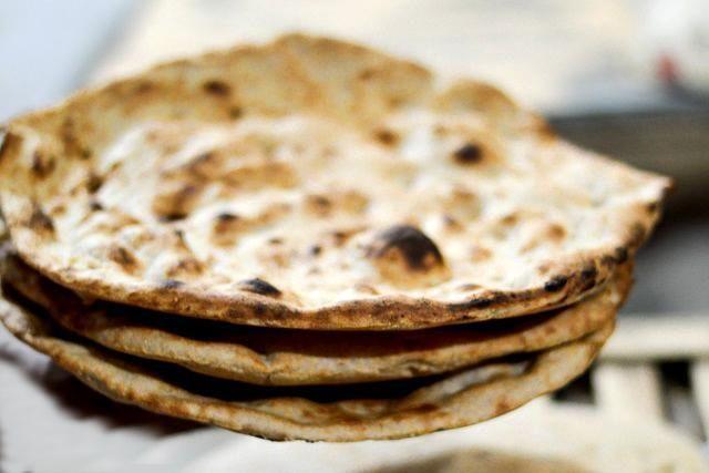 طرز تهیه نان تافتون در خانه