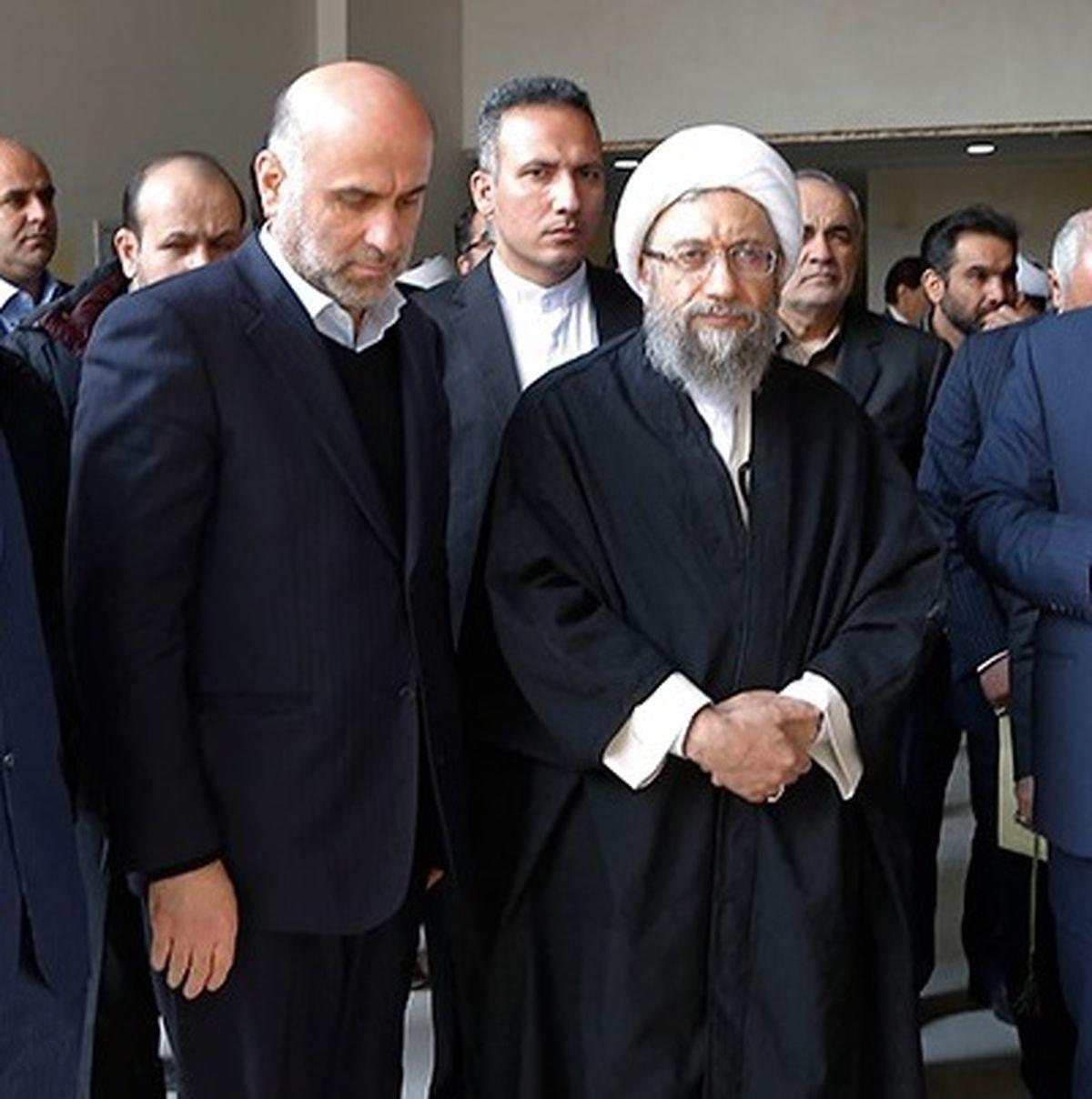 اکبر طبری بازداشت شد + بیوگرافی