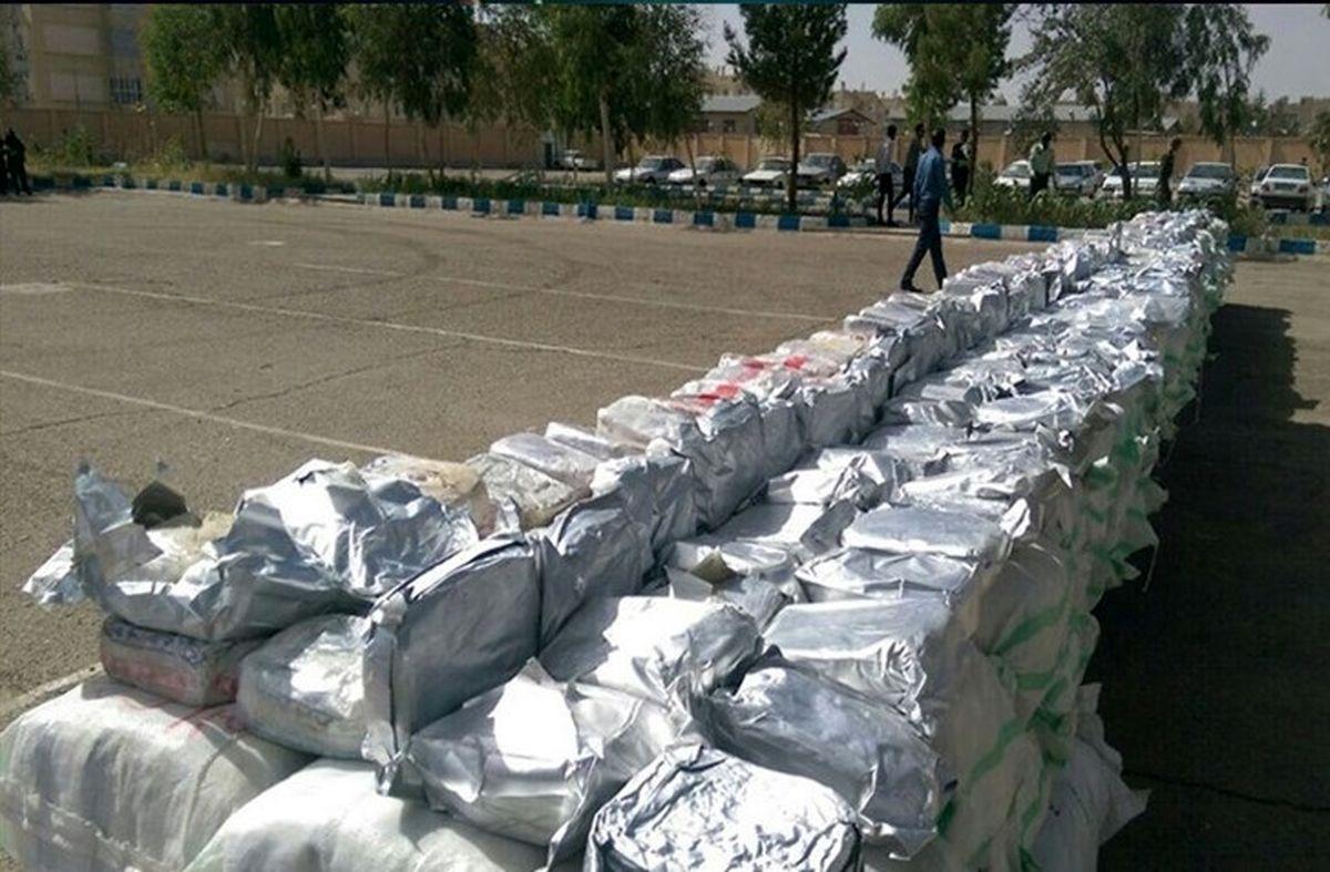 کشف یک محموله بزرگ مواد مخدر توسط ماموران گمرک غرب تهران