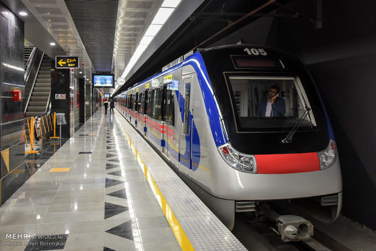 رشد ۱۱ درصدی مسافران مترو تهران با افزایش قیمت بنزین