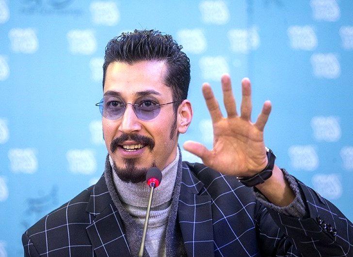 بهرام افشاری - ویکیپدیا، دانشنامهٔ آزاد