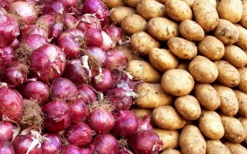 جزئیات افزایش بی رویه قیمت پیاز سیب زمینی و گوجه