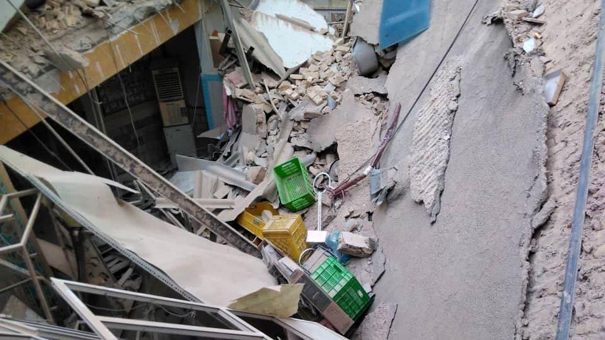آوارشدن خانه در حال بازسازی در افسریه 2 نفر را گرفتار کرد + عکس