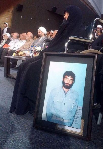 مادر حاج احمد متوسلیان در بستر بیماری/ عکس