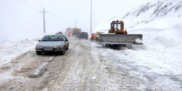 بارش شدید برف در محورهای هراز و فیروزکوه