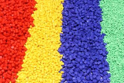 معامله بیش از ۷۰ گرید مواد پلیمری در بورس کالای ایران