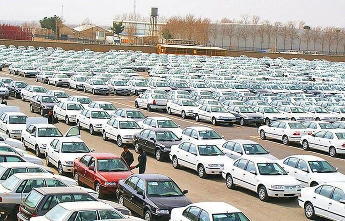وجود خودروی بدون پلاک در پارکینگها احتکار است