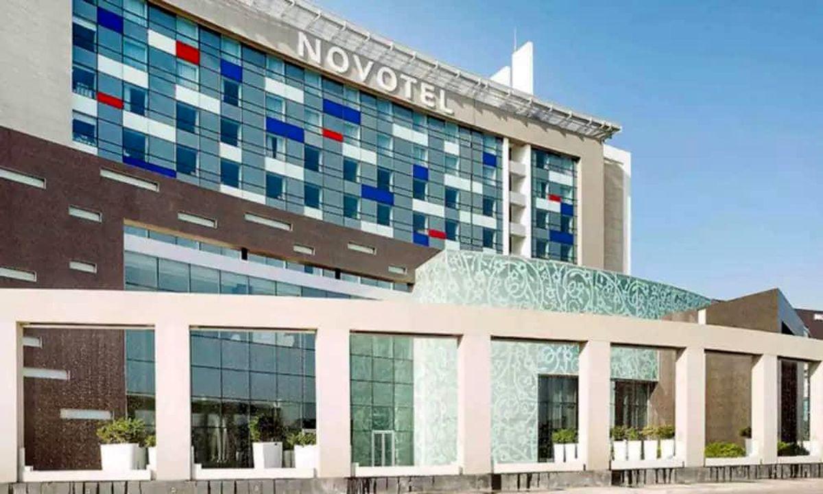 امکان اسکان متخصصان خارجی بدون اخذ ویزا در هتل فرودگاهی اجرایی شد