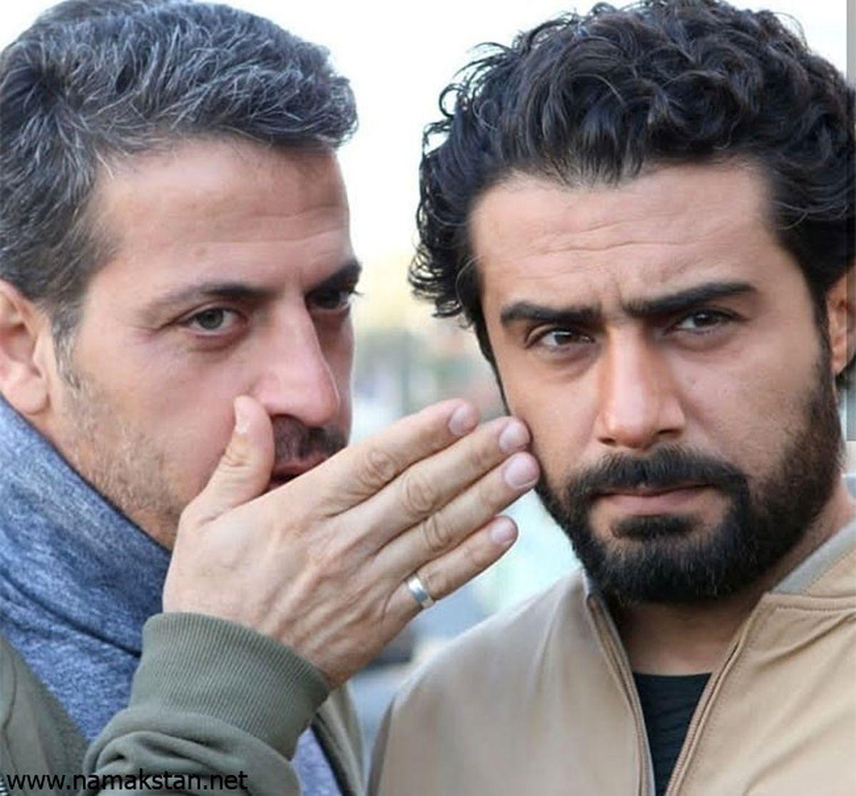 محمد سریال گاندو در کنار دو زن | بیوگرافی وحید رهبانی