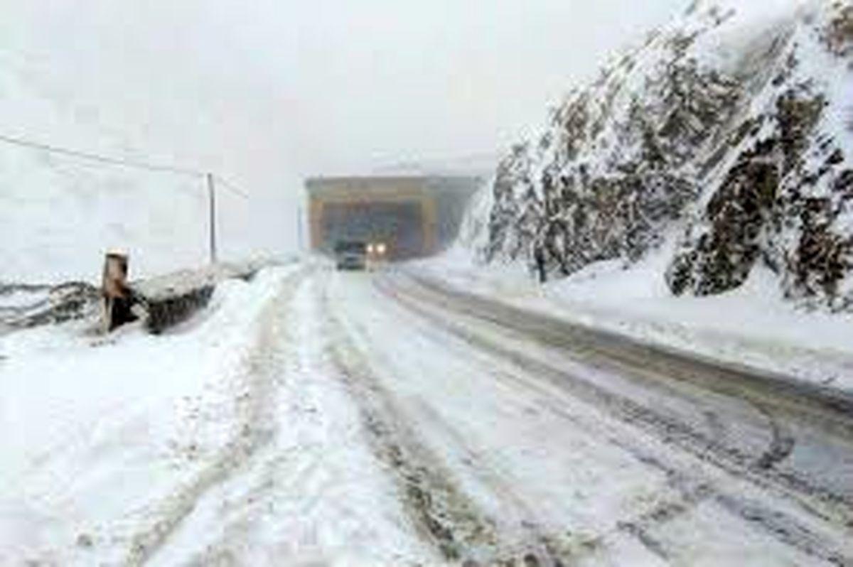 کولاک برف در جاده چالوس