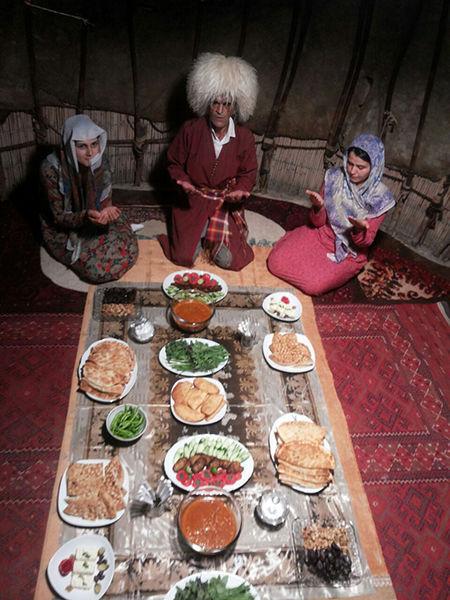 آیین و رسوم ترکمنها در ماه رمضان؛ از پخت چافاتی تا بافت نمازلیق
