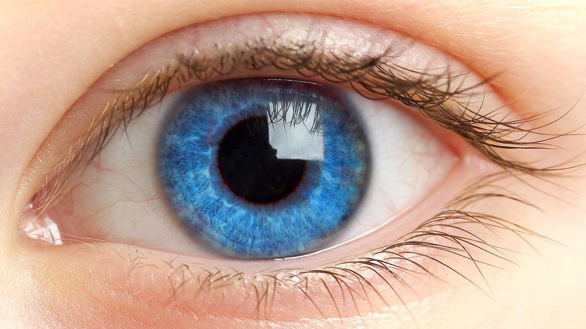 مثلث صورتی داخل چشم نشانه چه بیماری است؟