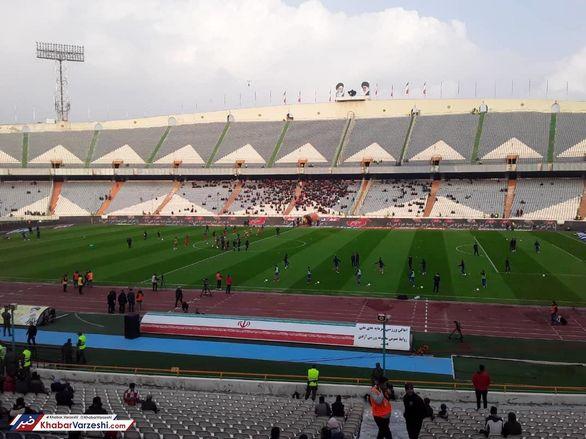 استادیوم خالی در انتظار بازی پرسپولیس و نفت + عکس