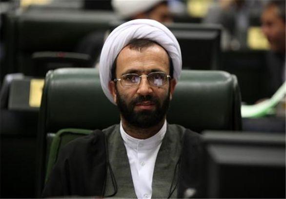 سال آینده سرفصلهای مرتبط با رشادتهای سردار سلیمانی در مدارس و دانشگاههای کشور گنجانده میشود
