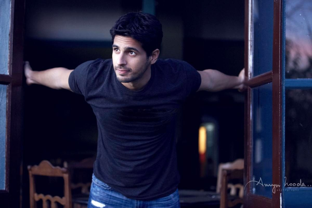 Sidharth Malhotra to Star in Official Remake of 2019's Tamil Hit Thadam | Bollywood | indiawest.com