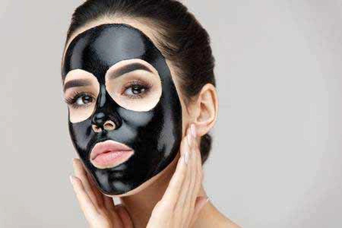 آموزش ماسک زغالی برای سلامتی پوست