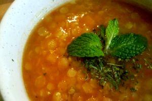 طرز تهیه سوپ عدس و کدو حلوایی برای لاغری و تناسب اندام