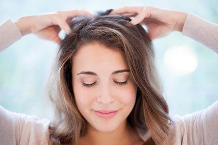 ماساژ پوست سر چه بلایی سر موهایتان می آورد؟