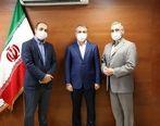 بزرگداشت مدافعان عرصه سلامت همزمان با فرارسیدن گرامیداشت روز پزشک در بیمه