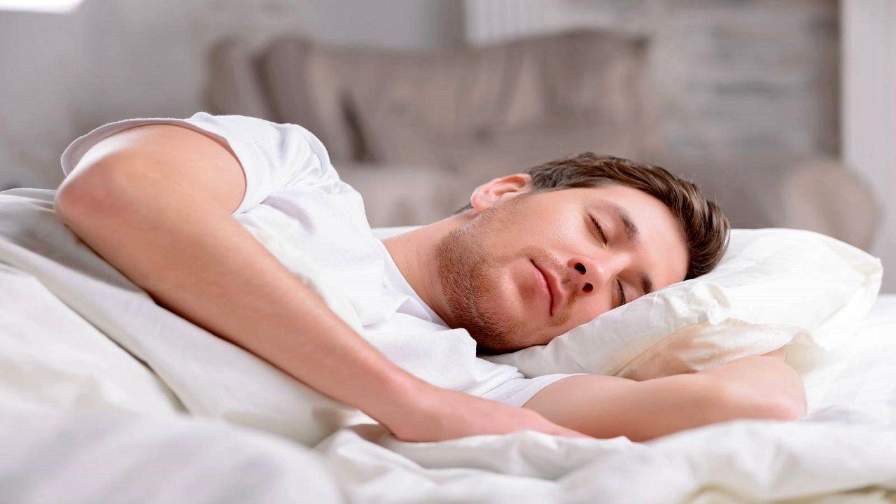 خوابیدن در اتاق سرد مفید است یا گرم؟