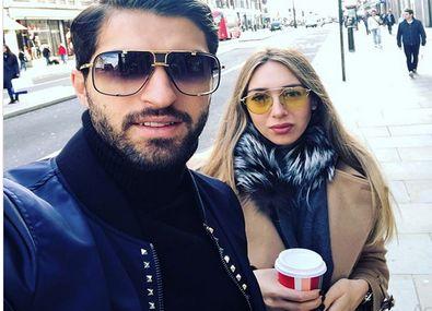 تولد فرزند کریم انصاری فرد و همسر یونانی اش +عکس